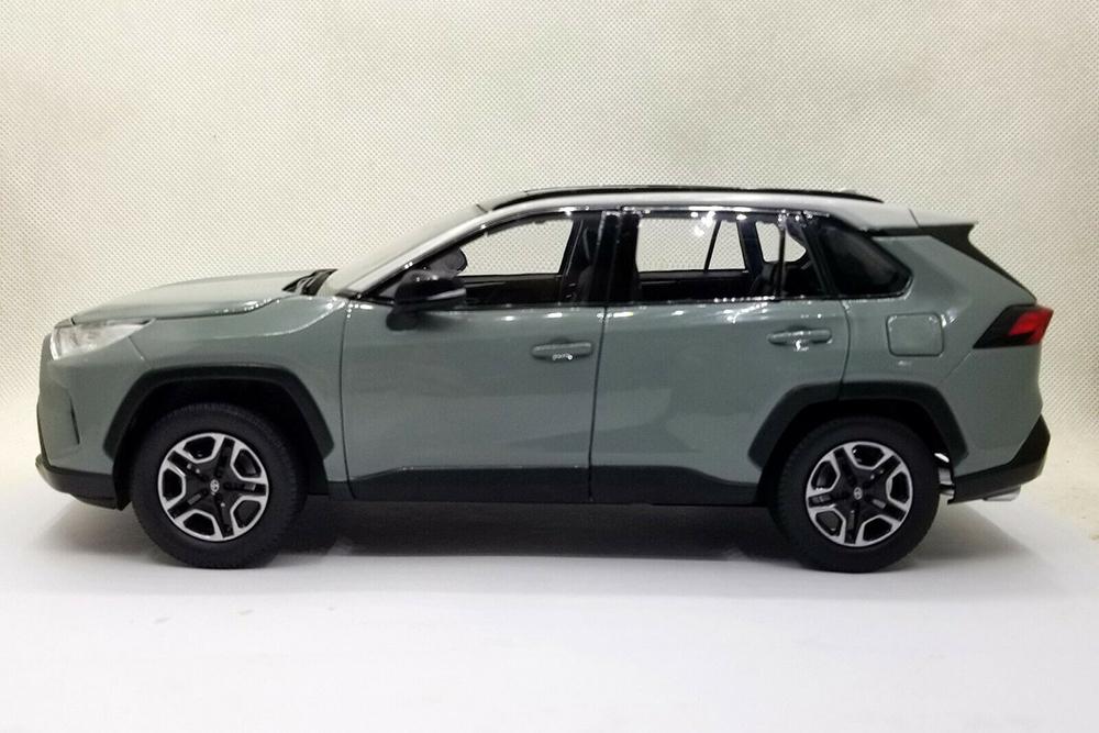 Коллекционная модель TOYOTA NEW RAV4 MODEL 2020 GREY