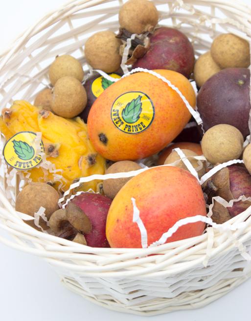 Подарочная Корзина S с фруктами. Лавка экзотических фруктов Sweet Prince