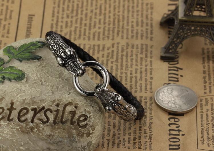 Мужской браслет из кожи и стали