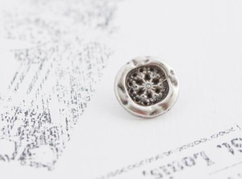 Пуговица металлическая на ножке, в виде цветка, металлического тона, 15 мм