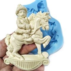 0840 Молд силиконовый. Мальчик на лошадке.