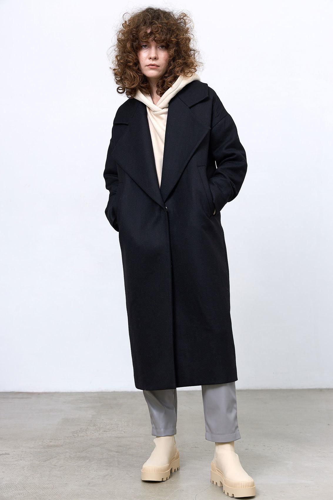 Пальто с большим лацканом, черный