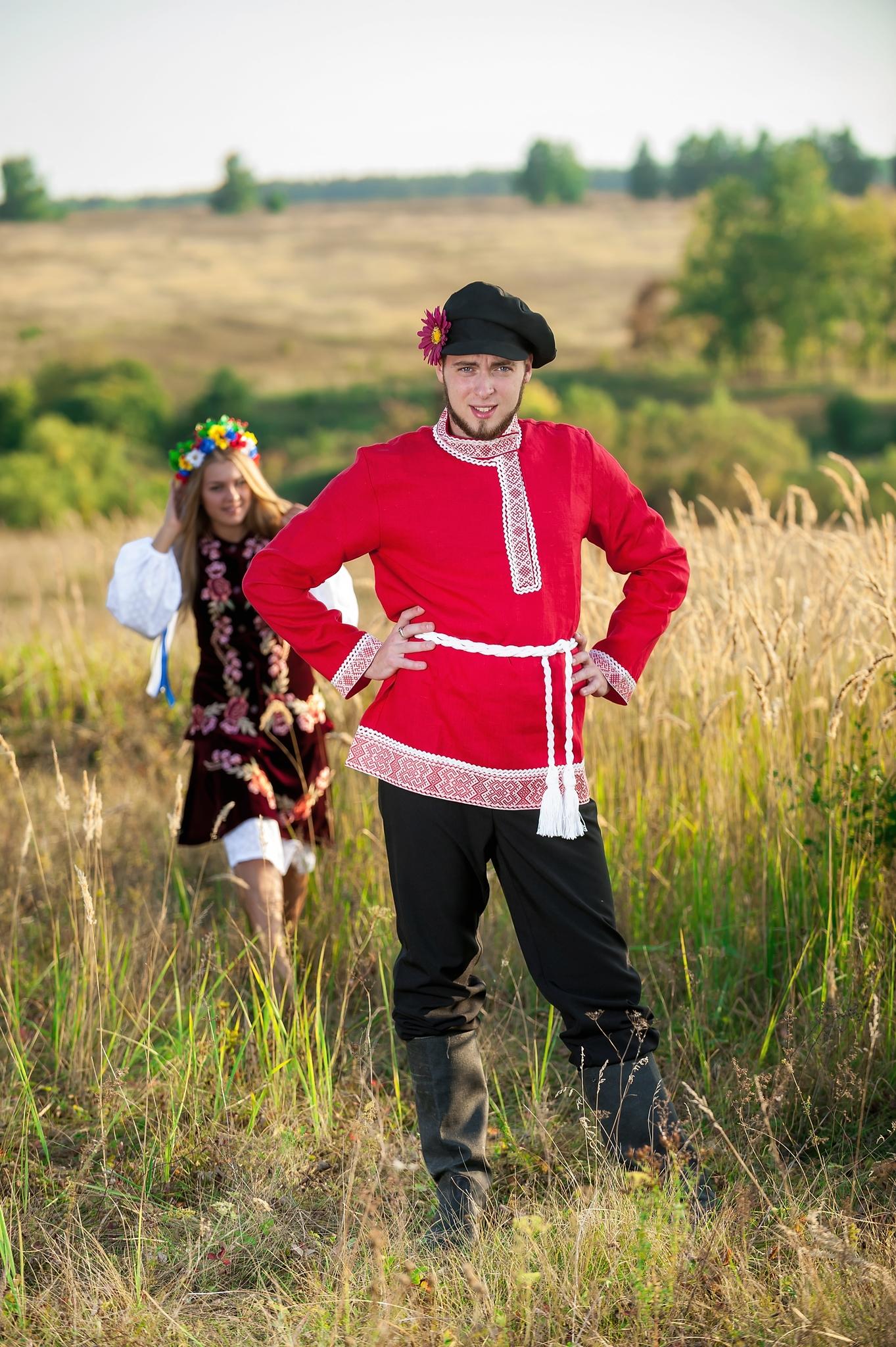 Русский костюм Звонкая песня для танцев