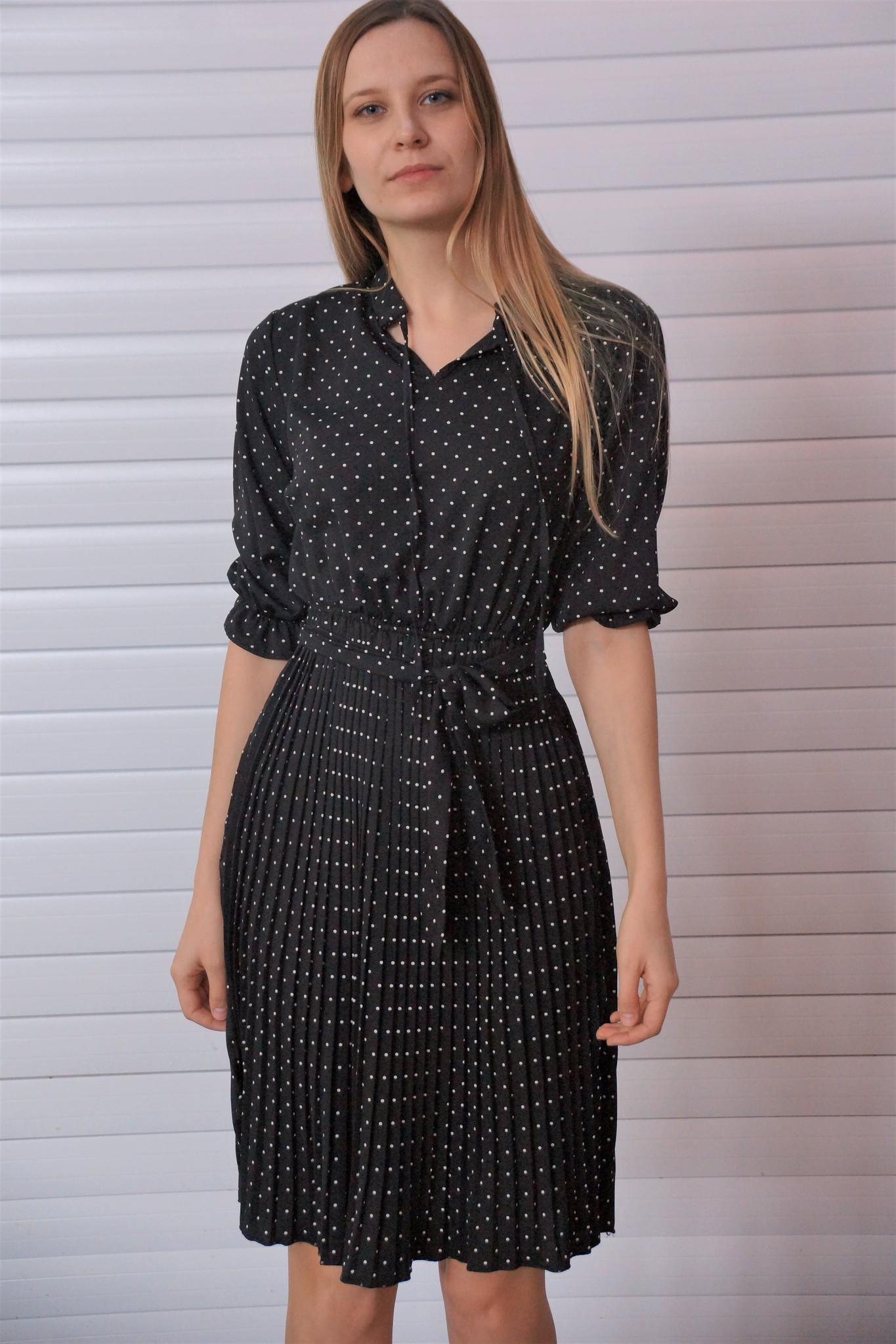 Платье с юбкой-плиссе