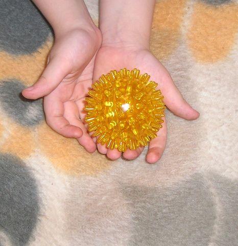 Логопедический массажный мячик.