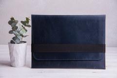 Синий горизонтальный кожаный чехол Gmakin для MacBook