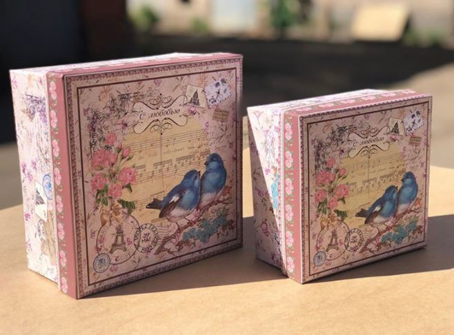 Квадратная коробка с птичками 15х15х8
