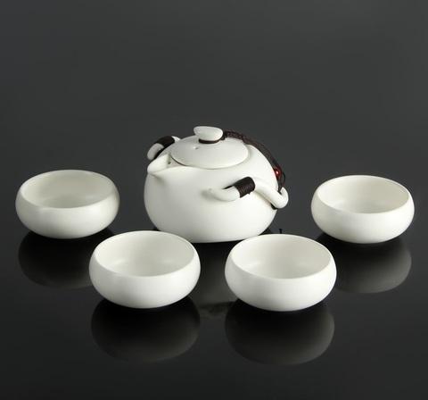Набор для чайной церемонии Tyasitsu White, 8 предметов: чайник 120 мл, 4 чашки 50 мл, щипцы, салфетка, подставка