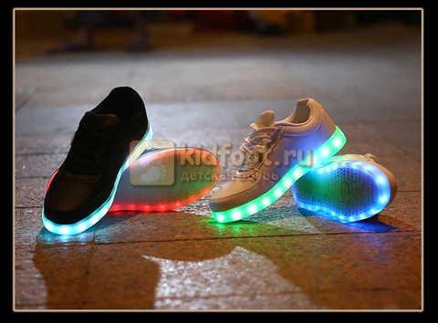Светящиеся кроссовки с USB зарядкой Fashion (Фэшн) на шнурках, цвет черный, светится вся подошва. Изображение 26 из 27.
