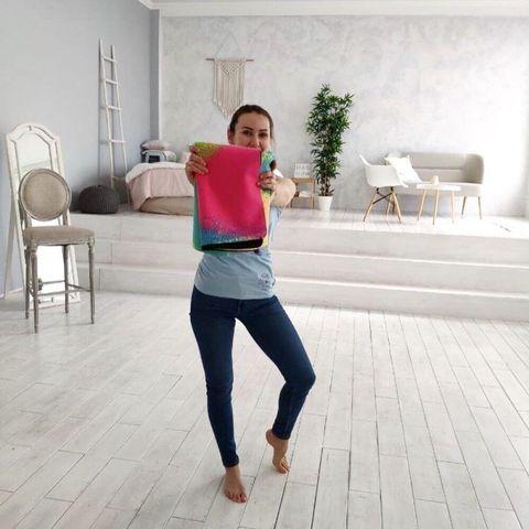 Легкий коврик для йоги Краски 173*61*0,1 см из микрофибры и каучука