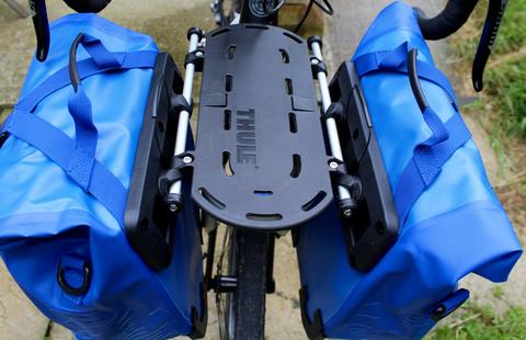 Картинка велосумка Thule Shield Small синие - 3
