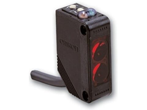 Фотоэлектрический датчик Omron E3Z-B
