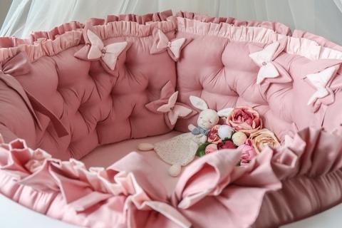 Комплект в круглую/овальную кроватки Butterfly