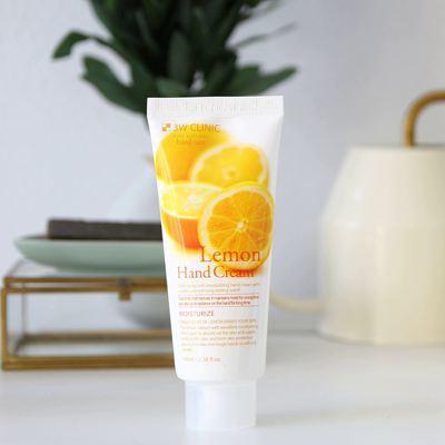 Крем для рук увлажняющий с экстрактом лимона 3W CLINIC Moisturizing Lemon Hand Cream