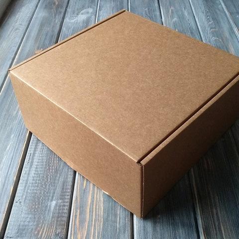 Коробка мгк С УШКАМИ (205*205*95мм)