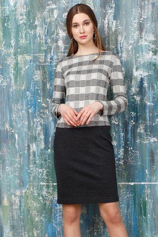 Фото серое платье прямого силуэта с горловиной лодочка с геометрическим принтом - Платье З317-607 (1)