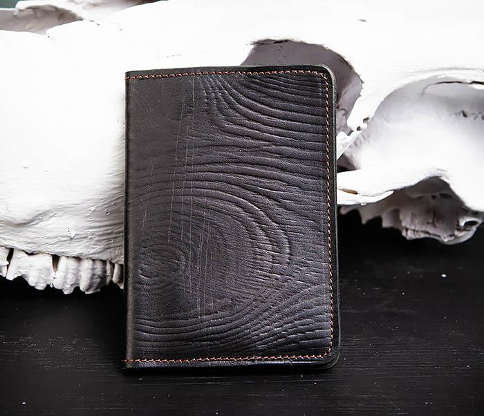 BC119-1 Обложка на паспорт из натуральной кожи с текстурой под дерево