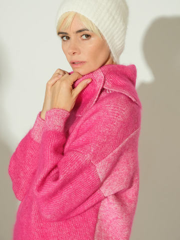 Женский свитер розового цвета из мохера и кашемира - фото 3