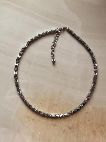 Колье Квадорс из гематита, серебряный цвет