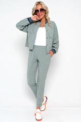 <p><span>Очень удобные брюки на резинке - стильный предмет гардероба, который может использоваться в повседневном, спортивном, вечернем стилях. Преимущества, которые дают брюки на резинке, позволяют создавать неординарные образы на любой вкус.&nbsp;</span></p>