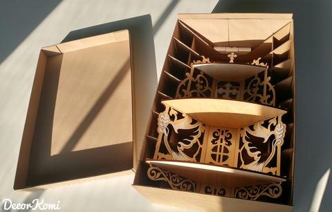 Иконостас собранный доставляется в коробке с каркасом