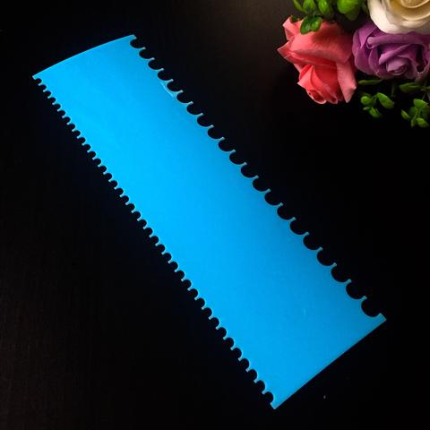 Шпатель кондитерский голубой ВЫСОКИЙ ДВОЙНОЙ (узор зубчики) (255х75мм)