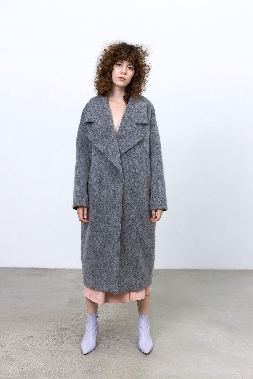 Пальто с большим лацканом, темно-серый мохер