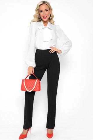 <p>Трикотажные брюки не просто удобны в носке, но еще и весьма популярны сегодня. Высокая посадка, талия на резинке. Присутствует эффект утяжки, что очень привлекательно для любой фигуры. Ткань очень приятная к телу.</p>