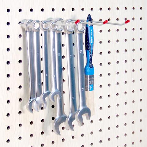 Одинарные крючки (1 шт.) на перфорированные панели  из ХДФ. L 100мм Ø 3мм  PH807