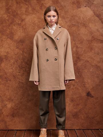 Пальто укороченное из шерсти беж