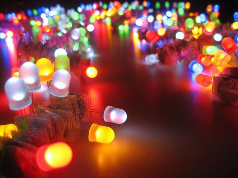Светодиодные светильники с датчиками движения