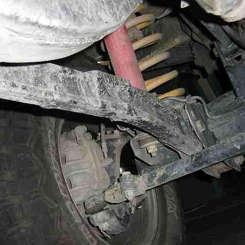 Замена передних рычагов Nissan Patrol Y60