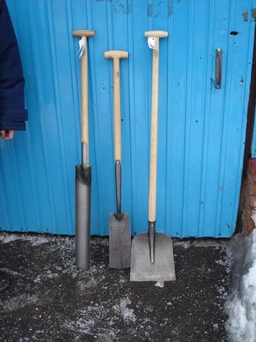 Английская дренажная лопата «Бульдог» DeWit с узким полотном
