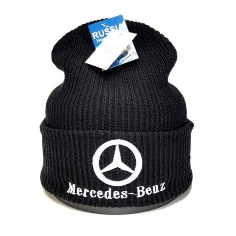 Вязаная шапка с вышитым логотипом Мерседес (Mercedes-Benz) черная