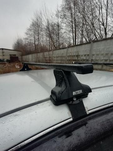 Багажник Интер на крышу Nissan Almera седан 2012-...  прямоугольные дуги 120 см.