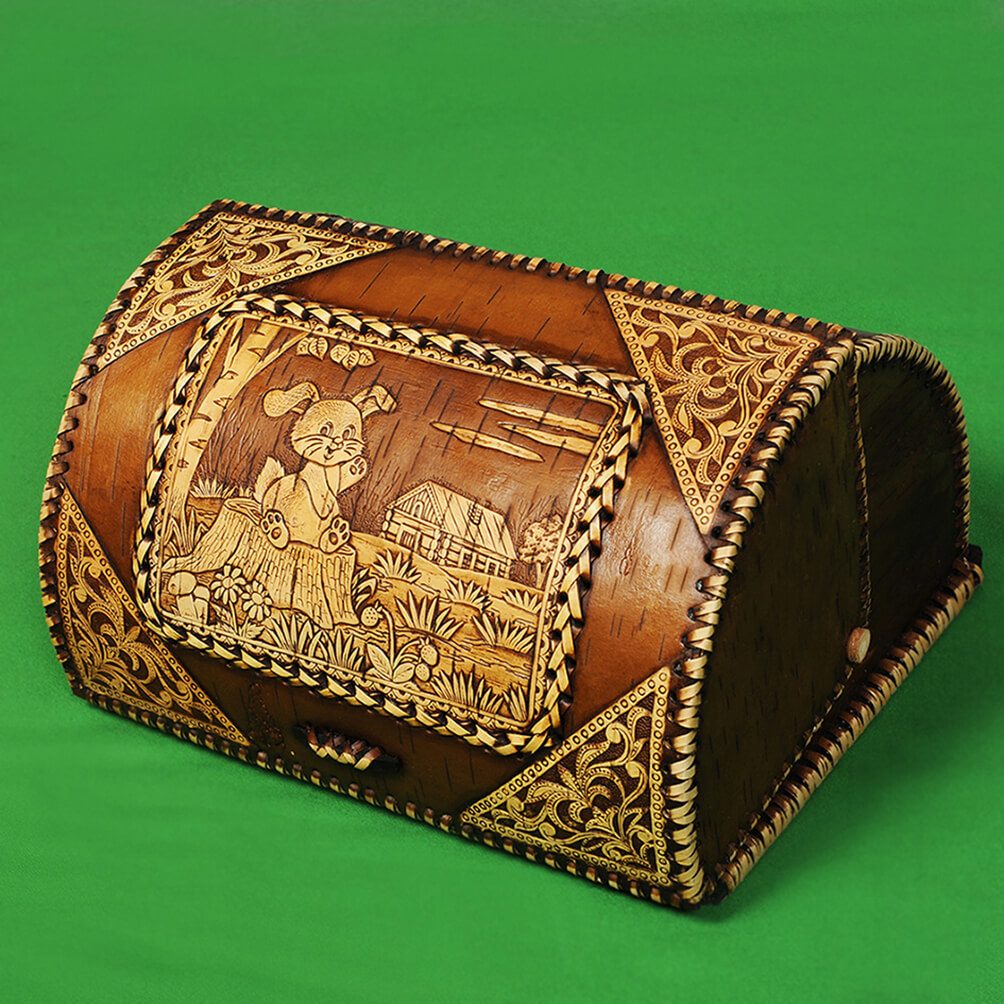 Хлебница из бересты с тиснёным изображением Зайца