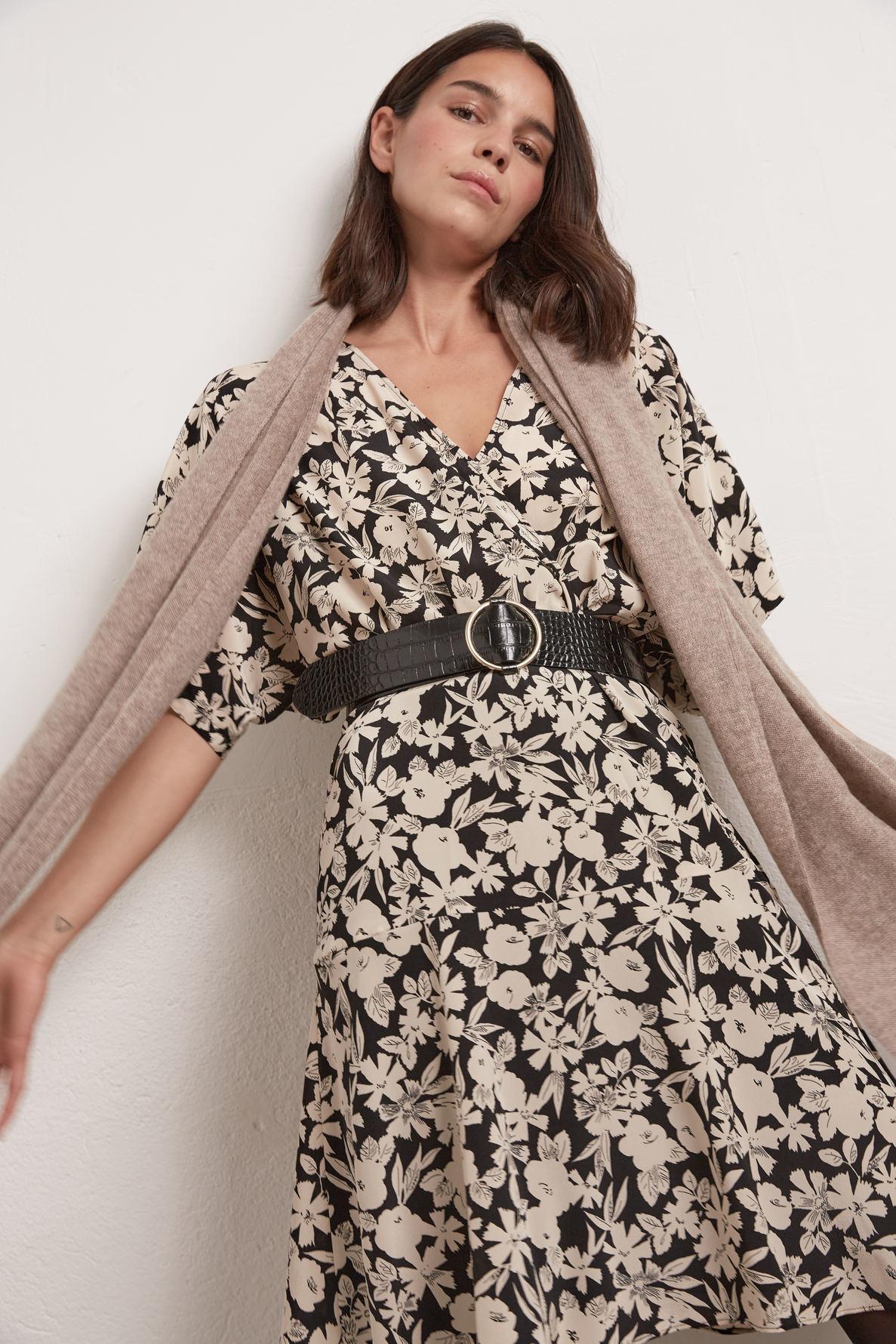 Короткое шелковое платье с принтом