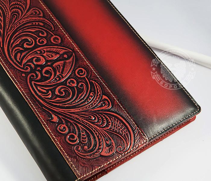 BY05-12-01 Кожаный подарочный ежедневник «Шеридан» красного цвета (формат А5) фото 02