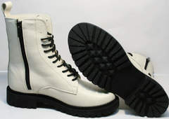 Зимние ботинки женские кожаные с мехом на толстой подошве Ari Andano 740 Milk Black.