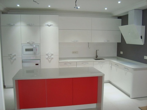 Кухня белый+красный