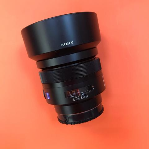 Sony Carl Zeiss Planar T*85mm f/1.4 комиссия