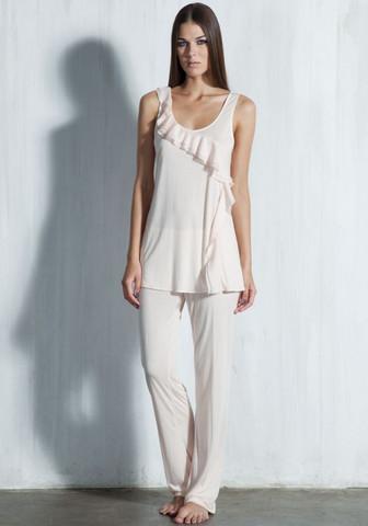 Лаконичная пижама из модала