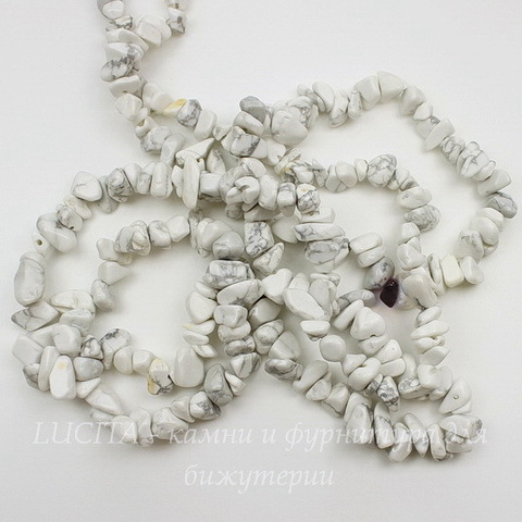 Бусина Говлит, крошка, цвет - белый, 5-8 мм, нить