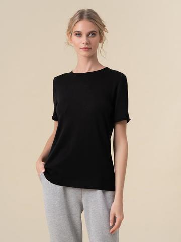 Женский шелковый джемпер черного цвета с укороченным рукавом - фото 2