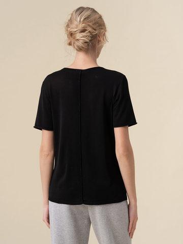 Женский шелковый джемпер черного цвета с укороченным рукавом - фото 4