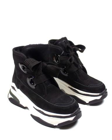 черные кроссовки SM