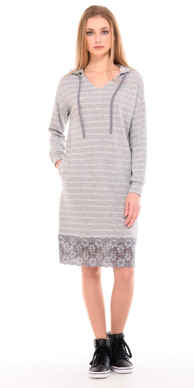 Платье З230-640 - Платье-худи в стиле спорт-шик из хлопкового трикотажа-футера. Отделка в виде плотного кружева по линии низа и капюшона. Трикотаж мягкий, пластичный, очень приятный телу (не тонкий). Спускное плечо, пройма расширенная, объем комфортный.