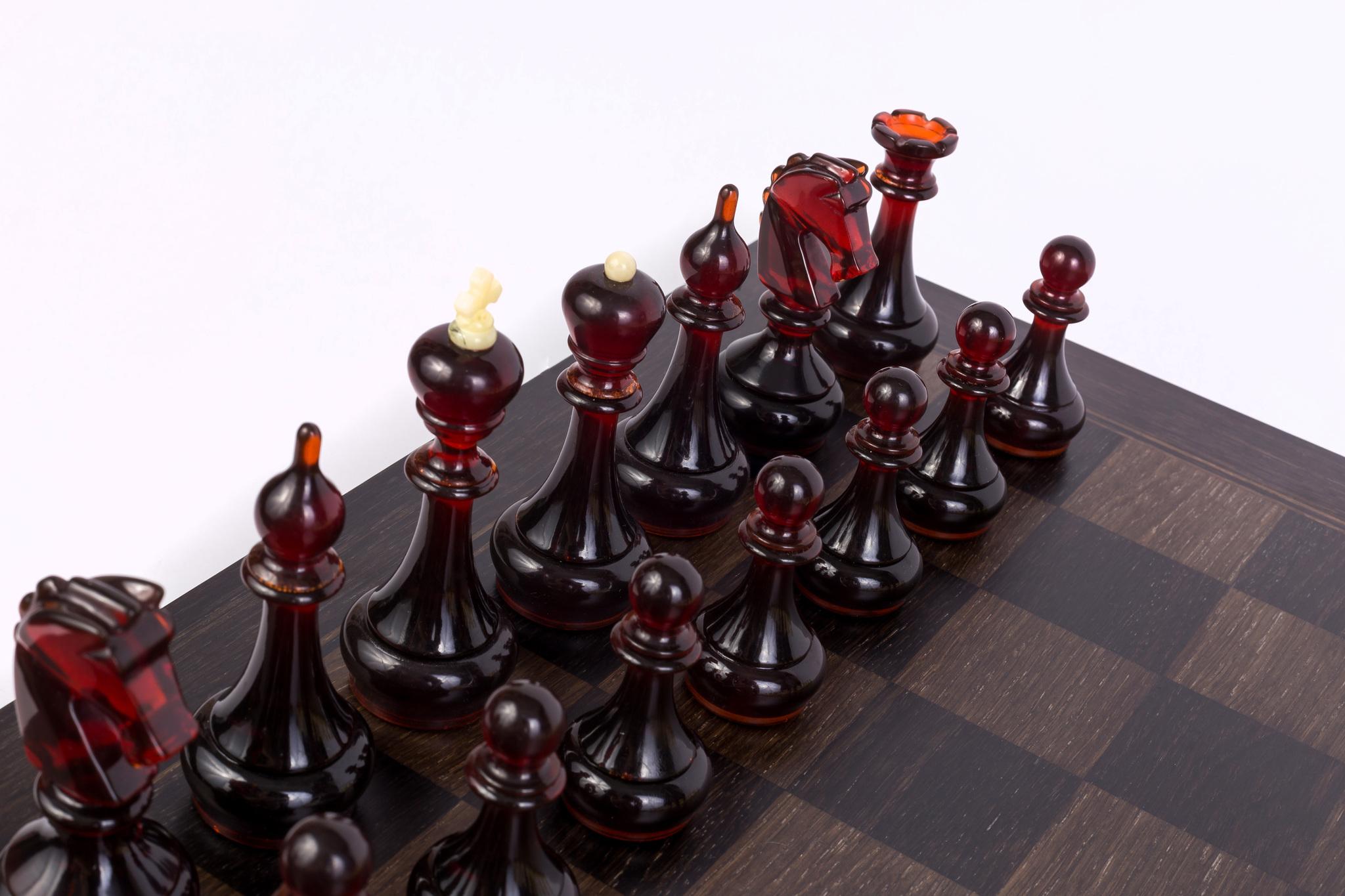 шахматы из мореного дуба