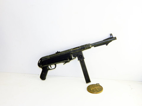 German MP-38 scale 1:3