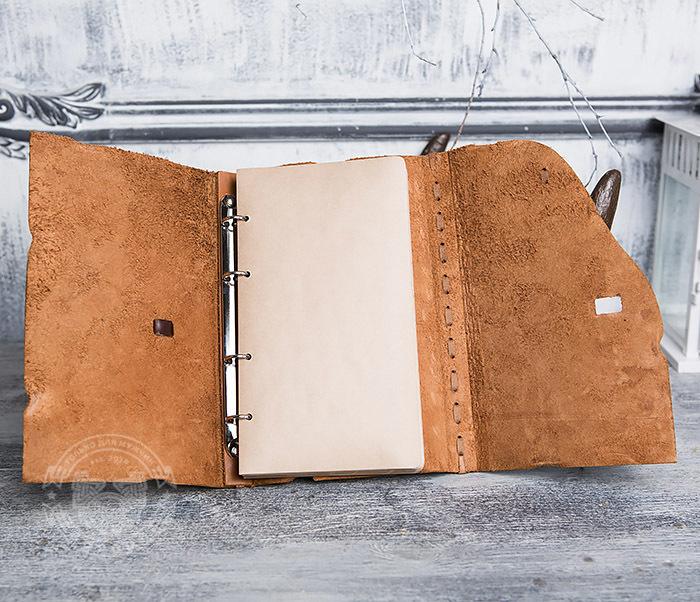 BY01-06-04 Кожаный подарочный блокнот «Добыча» с застежкой - клыком (А5) фото 07